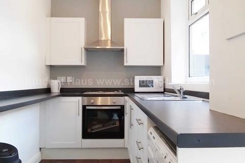 3 bedroom house to rent - Osborne Street, Salford, M6 5LG
