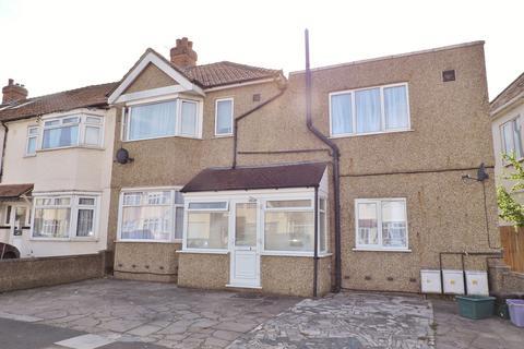 1 bedroom house share to rent - Cobham Avenue, New Malden, KT3