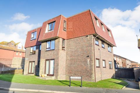 2 bedroom flat to rent - College Road, Seaford, BN25