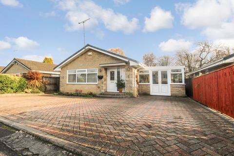 3 bedroom bungalow for sale - Woodend Way, Brunton Bridge, Newcastle upon Tyne, Tyne and Wear, NE13 7BG