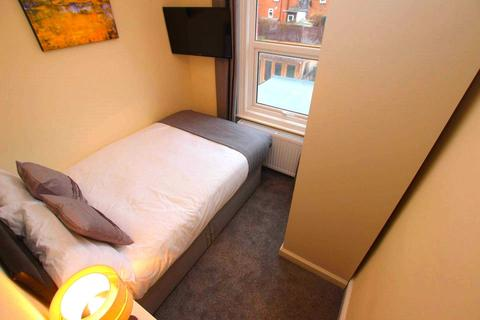 1 bedroom in a house share to rent - Newport Road, Reading