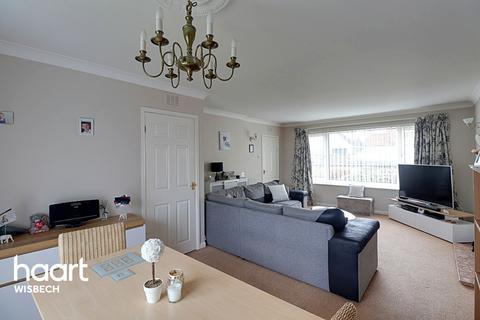 3 bedroom chalet for sale - Walton Road, Wisbech