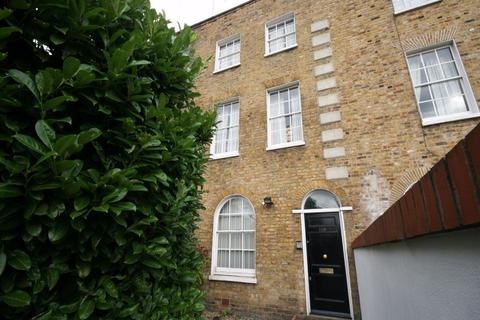 3 bedroom maisonette to rent - Wandsworth Road, Vauxhall