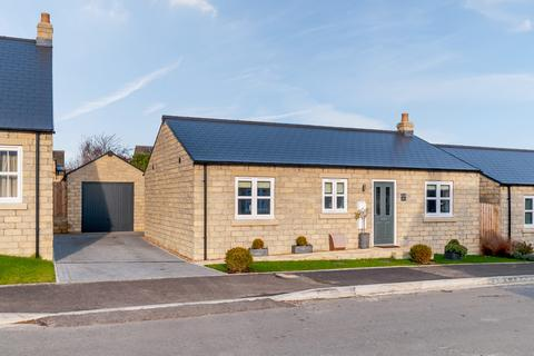 2 bedroom detached bungalow for sale - Station Rise, Leyburn