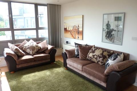 2 bedroom flat to rent - New Park Road, Clapham