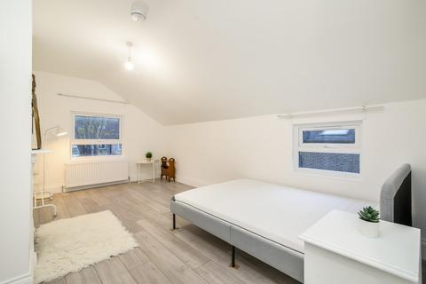 1 bedroom house share to rent - Greyhound Lane, Streatham