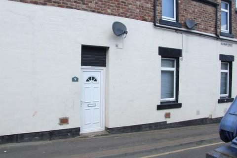 Studio to rent - Flat 4, 9 Sailsbury Street