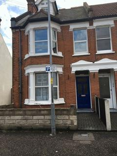 5 bedroom semi-detached house to rent - Meredith Road, Clacton-On-Sea