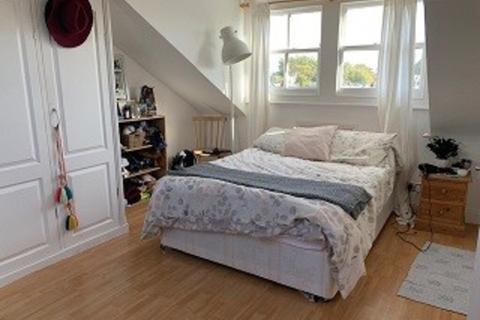 2 bedroom flat to rent - Trinity Road SW18