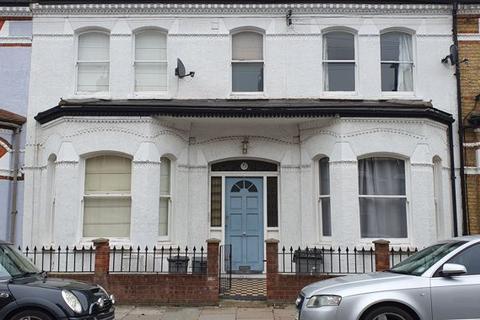 3 bedroom flat to rent - Dafforne Road, Tooting Bec