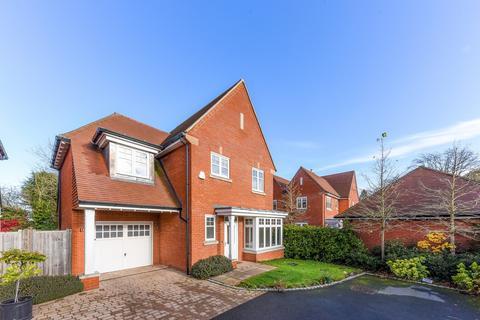 3 bedroom detached house for sale - Lucas Park Drive, Walton on the Hill, KT20