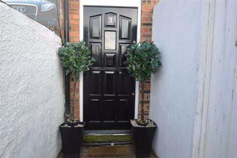 2 bedroom terraced house to rent - Westminster Street, Macclesfield