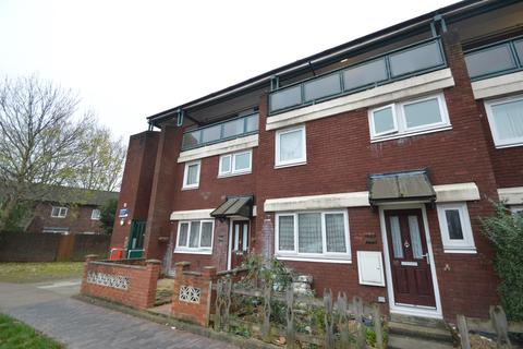 2 bedroom flat to rent - Russell Road, London, N15