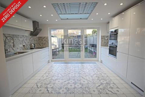 5 bedroom townhouse to rent - Westminster Drive, London, N13