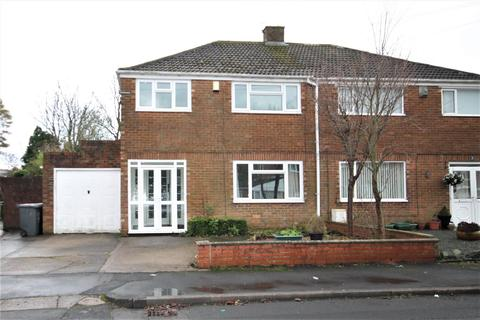 3 bedroom semi-detached house to rent - Kirkstone Drive, Durham