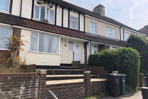 4 bedroom house to rent - Bevendean Crescent, Brighton