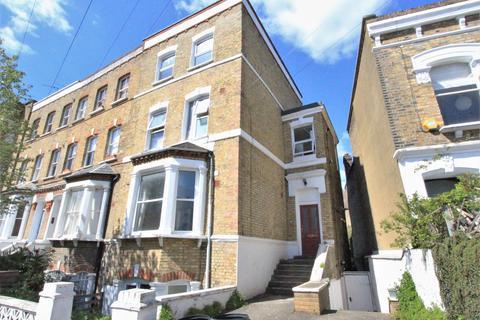 3 bedroom flat to rent - Springdale Road, Stoke Newington, N16