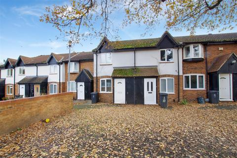 2 bedroom terraced house to rent - Maxey Close, Shaw