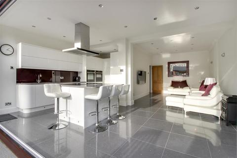 4 bedroom semi-detached house for sale - Southbury Road, Enfield