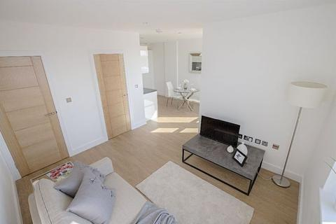 1 bedroom apartment for sale - Staines Road, Hounslow, Middlesex, TW4