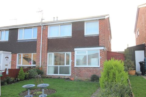 3 bedroom semi-detached house for sale - Firsway, Upton