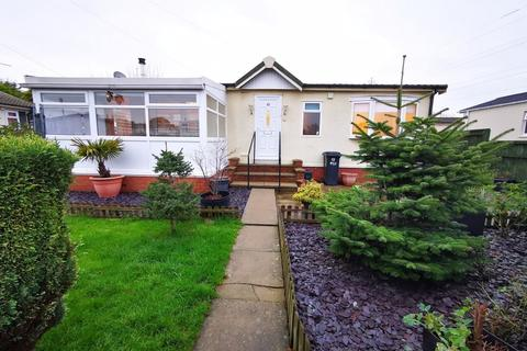 2 bedroom mobile home for sale - Willow Park, Mancot , Deeside