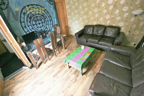 6 bedroom terraced house to rent - Thornville Terrace, Hyde Park, LS6 1JT