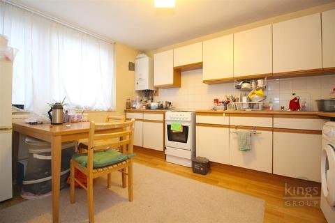 2 bedroom flat for sale - Waverley Road, London