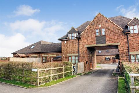 3 bedroom semi-detached house to rent - Kimblewick Road, Great Kimble, Aylesbury