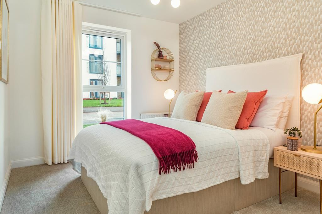 Internal image of the en suite master bedroom in the Coleford Show Apartment at Ladden Garden Villag