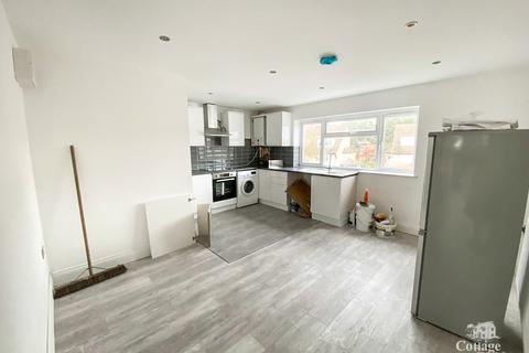 3 bedroom maisonette to rent - Derby Road, Ponders End, EN3- Newly Renovated Three Bedroom Maisonette with Garden