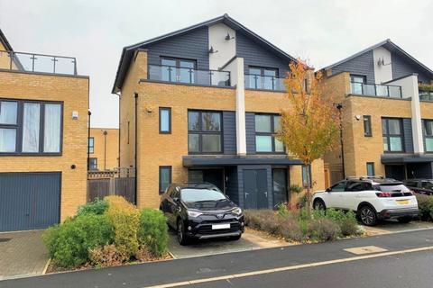 3 bedroom townhouse to rent - Huntingdon Drive Harold Wood