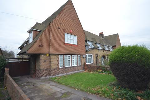 3 bedroom terraced house to rent - Westhorne Avenue Lee SE12