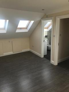 4 bedroom terraced house to rent - Mandrell Road, London SW2