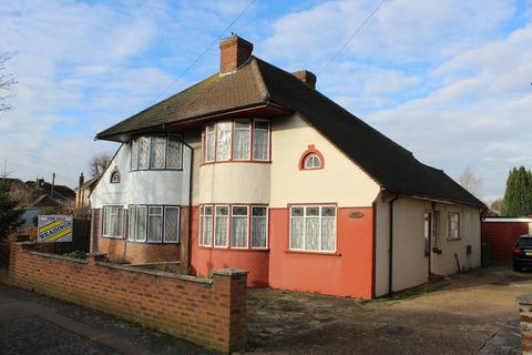 3 bedroom chalet for sale - Benhurst Avenue