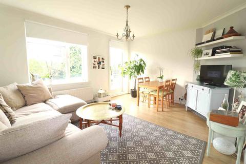 2 bedroom flat to rent - Howard House, Penge