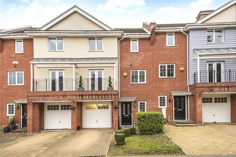 4 bedroom terraced house for sale - Flowers Avenue, Ruislip, Middlesex, HA4
