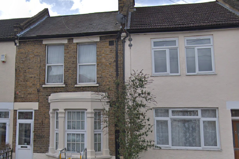1 bedroom house share to rent - Engleheart Road, Catford, SE6