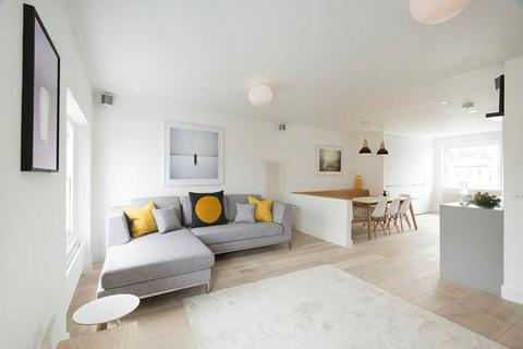 2 bedroom flat to rent - Westbourne Gardens, London, W2