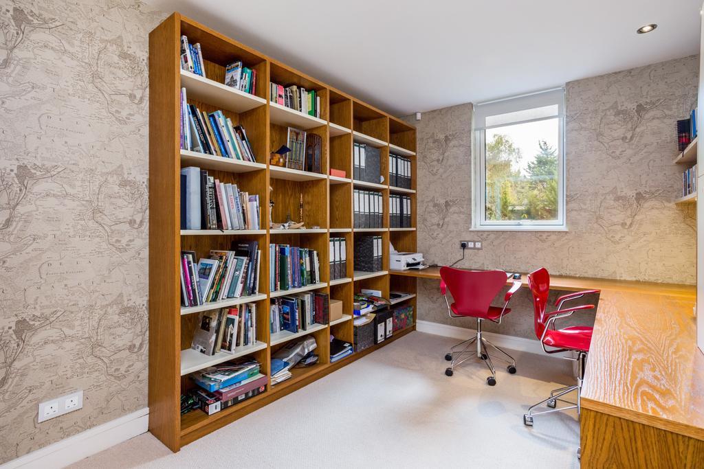 Double Bedroom 3/Office