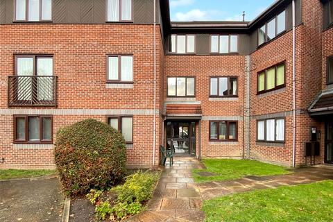 1 bedroom flat for sale - Alexandra Avenue, Camberley, Surrey, GU15