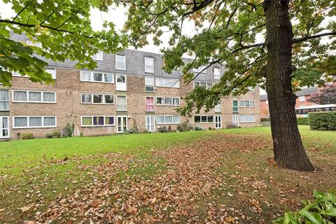 House to rent - Kintyre Close, Norbury, SW16