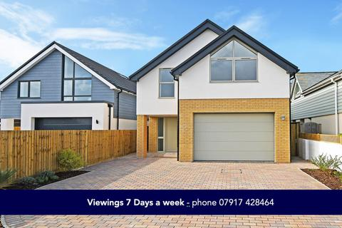 4 bedroom detached house for sale - Cirrus, Howard Avenue, West Wittering
