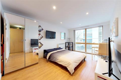 Flat to rent - Metro Central Heights, 119 Newington Causeway, London, SE1