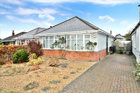 2 bedroom detached bungalow for sale - Noel Road, Bournemouth