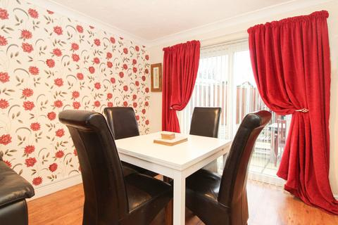 3 bedroom semi-detached house for sale - Dorset Drive, Brimington