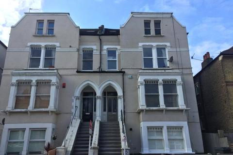 3 bedroom flat to rent - Ferme Park Road, Crouch End, London, N8