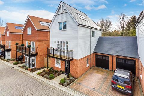 4 bedroom link detached house for sale - Yew Tree Road, Dunton Green, Sevenoaks