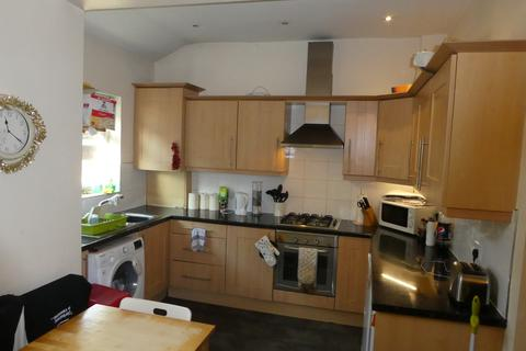 4 bedroom terraced house to rent - Oxney Road, Rusholme, Manchester