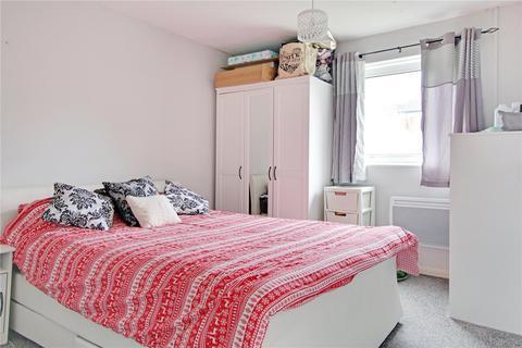 3 bedroom terraced house for sale - Kennedy Drive, Eldene, Swindon, Wiltshire, SN3